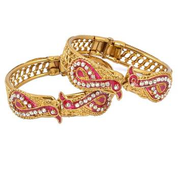 Designer Gold Platted Set of 2 kada's