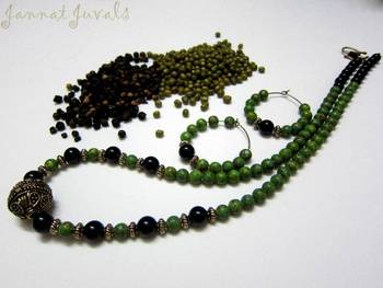 Cherupayar Green Necklace set with Black and Golden combo
