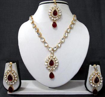 Nice maroon kundan necklace set