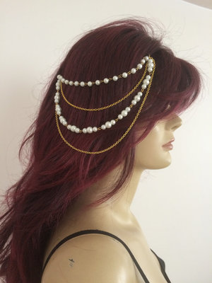 Pearl golden Chain Exclusive designer classic pretty haathful