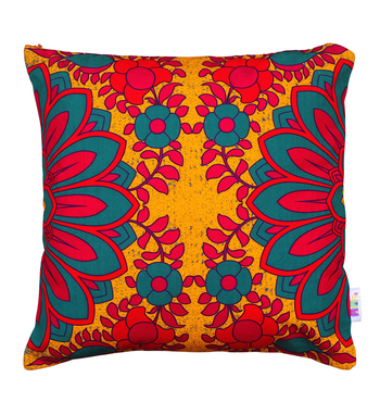Splendid flower motif cushion cover