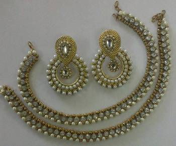 Designer Bollywood Pearl Earings with Traditional Anklets