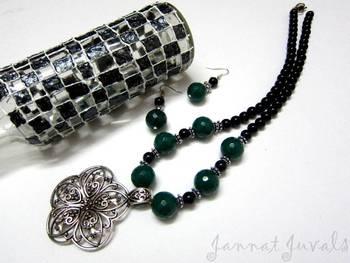 Black and Green Onyx Flower Pendant neckset