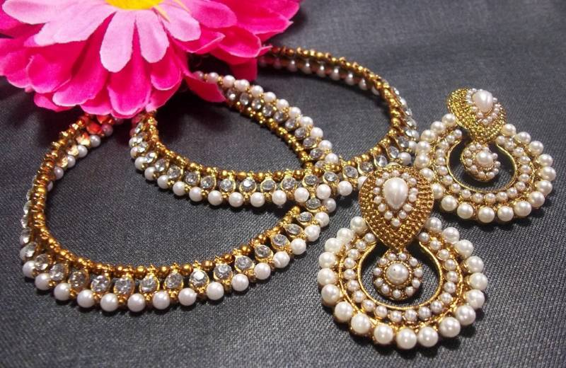 White Pearl Golden Anklet And Polki Earrings