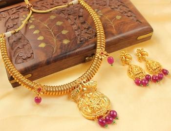 Gorgeous Ruby Bead Lakshmi Necklace Set
