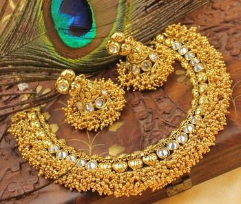 Royal Antique Polki Goldcluster Necklace Set