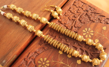 Unique Antique Matte Finish Pearl Necklace Set