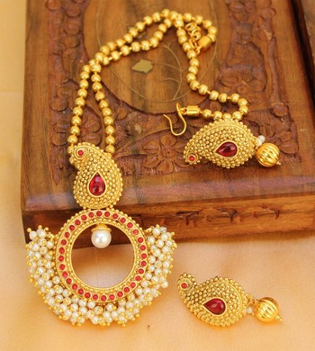 Lovely Gold Plated  Pink   Colour Pendant Set