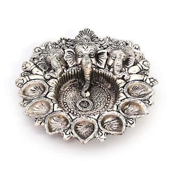 Pretty white metal god ganesha silver dia idol