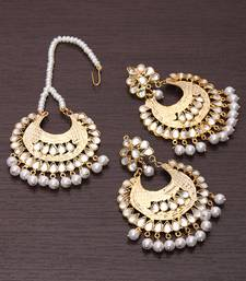 Buy Pearl and Kundan Embellished Maang Tika Set danglers-drop online