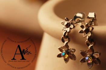 Silver Flower Star Shape Crystal Shell Earrings Brushed Silver attached silver ColoredGemstone
