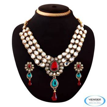 Vendee Traditional designer necklace jewelry 3607