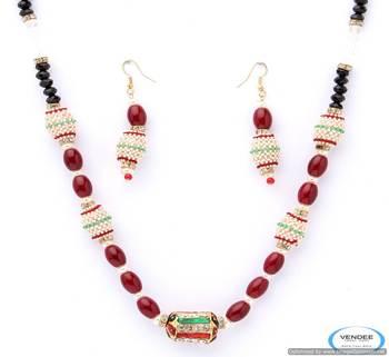 Vendee Expense and very attractive rajwadi necklace set 4997