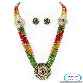 Vendee Attractive newly launched diamond crystal necklace set 5018
