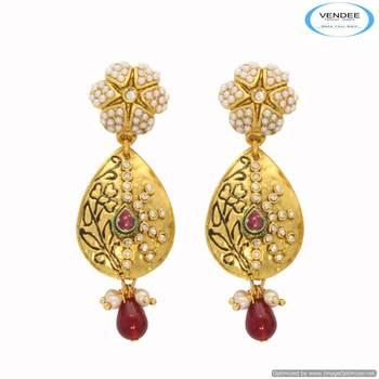 Vendee Gold plated stud diamond earring 6668