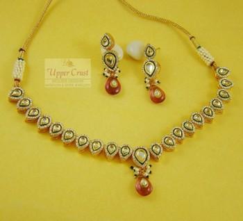 Kundan Sleek Necklace Earring Jewellery set