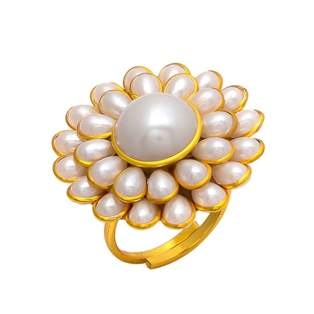 White Pearl Pacchi Work Ring