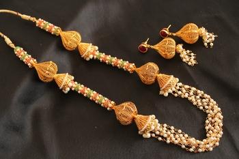 Royal Designer Multi Colour Pearl Necklace Set