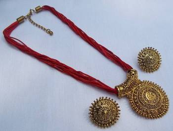 Red thread manglasutra necklace set