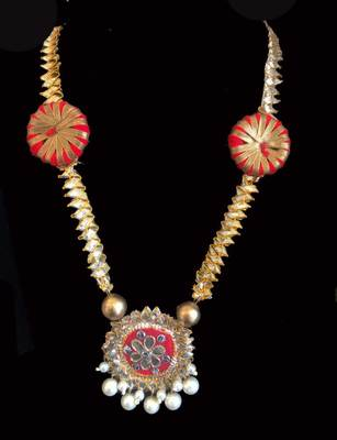 Red Gota And Pearl Necklace