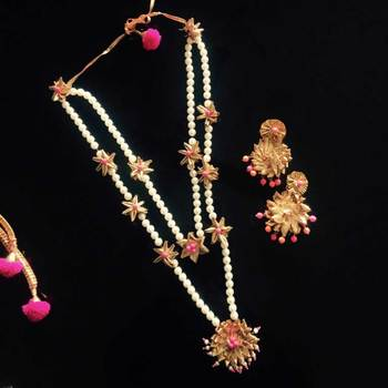 Neon Pink Gota And Pearl Necklace Set