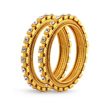 Youthful Design Stone Gold Finishing Bangle