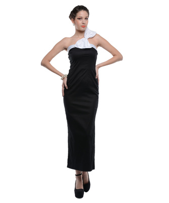 Women's Designer Black Lycra Gown With A Bow On The Shoulder