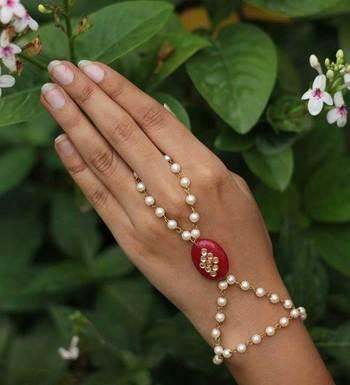 Kundan Stone And Pearls Hathphool
