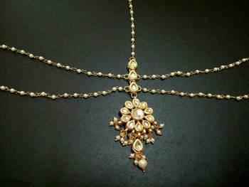 Kundan Flower And Pearls Mathapatti