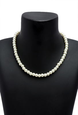 Classic Style White Pearl Statement necklace