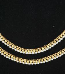 Beautiful golden stone and pearl single line anklets