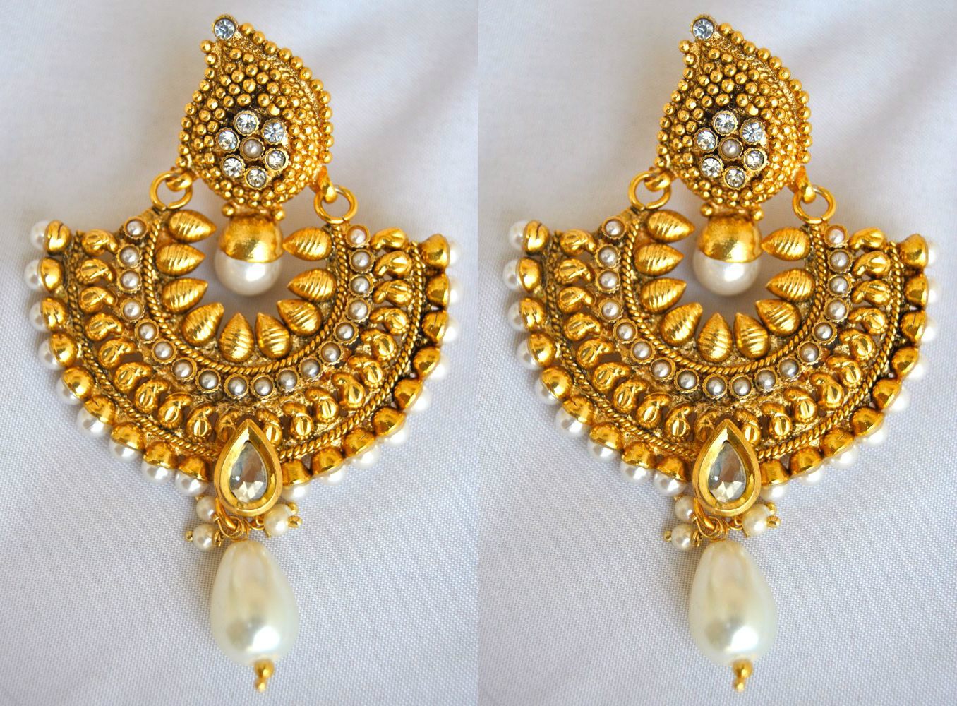 Buy Traditional Gold Earrings Online