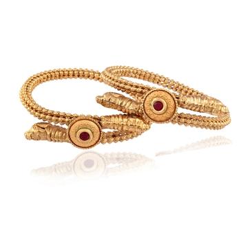 Attractive sober Gold plated kundan bangle