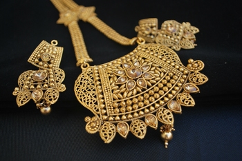 Traditional rajwadi design long necklace set