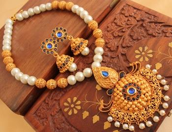Beautiful Matte Finish Blue Necklace Set