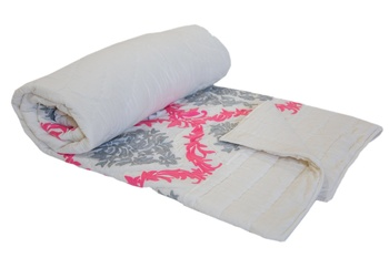 Machine Embroidered Double Bed Cotton Quilt And White Blankets For Winters