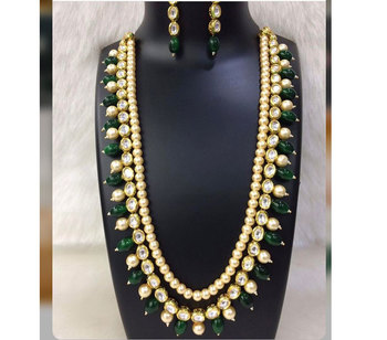 Kundan and Pearl Necklace Set with Green Onyx Gemstones