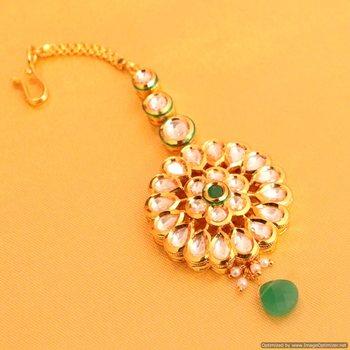 Emerald Kundan Flower Maang Tikka