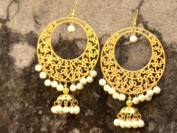 Gold Filigree Chandbaali With White Pearls