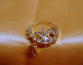 Royal American Diamond Nose Ring