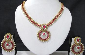 Pink stone necklace sets