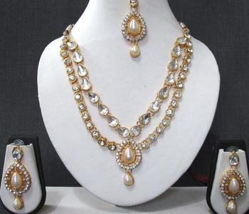 White stone necklace sets