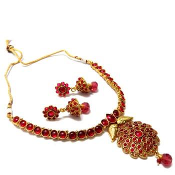 Kemp Traditional Necklace Set
