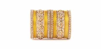 Traditional Golden flower pattern bangle set