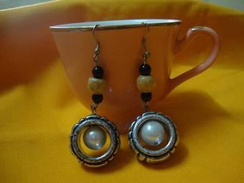 Bold Pearl Ear ring