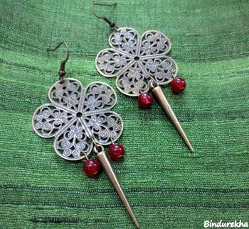 Brass_Flower_Red_Beads_Spear_Earrings