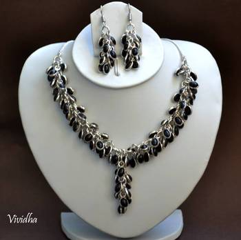 Necklace set with Clustered Black onyx Beads