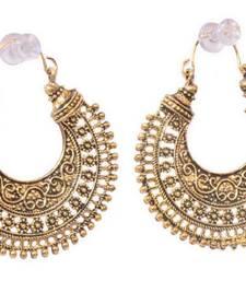 Gold emerald   earrings