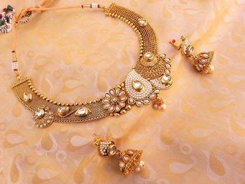 Mesmerizing White Antique Designer Necklace Set