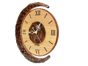 Hand Crafted Antique Circular Shape Wooden Wall Clock